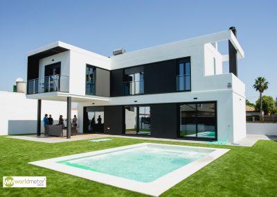 Vivienda unifamiliar aislada con piscina en Valencina de la Concepción (Sevilla)